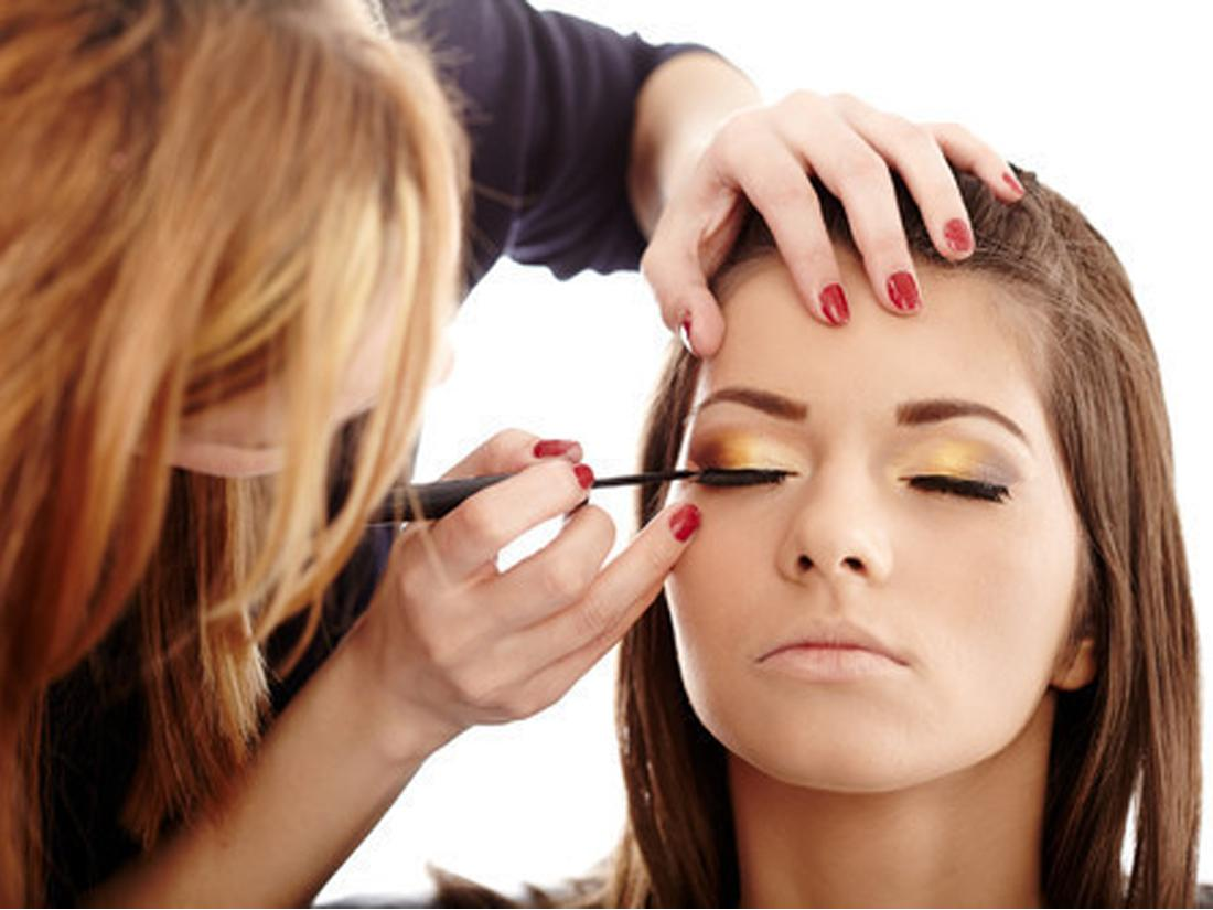 Начало обучения макияжу